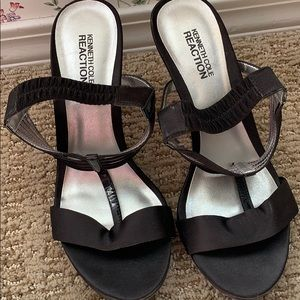 Kenneth Cole beautiful heels!